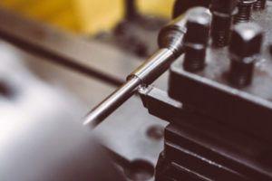 Toczenie próbki okrągłej do rozciągania stali